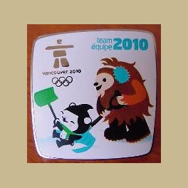 VANCOUVER OLYMPICS MIGA  QUATCHI SNOW REMOVAL CLEANUP TEAM VOLUNTEER PIN
