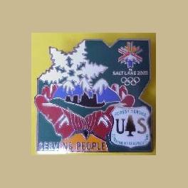 SALT LAKE CITY OLYMPICS US FOREST SERVICE SERVING PEOPLE GREEN BCKGRD PIN LTD ED